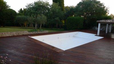Tour de piscine ipe noir vernis zen bois concept - Habillage tour de piscine ...